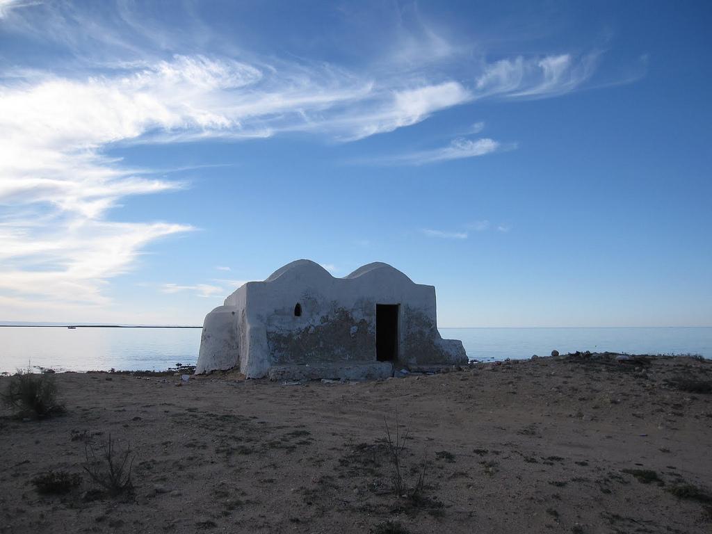 Maison de pêcheur à Ajim en Tunisie