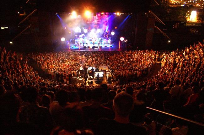 Foule au Festival des Nuits de Fourvière - Lyon