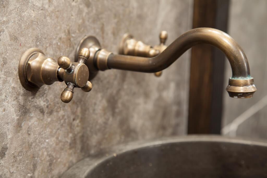 Une chambre harry potter dans un h tel de londres - Une araignee dans la salle de bain ...