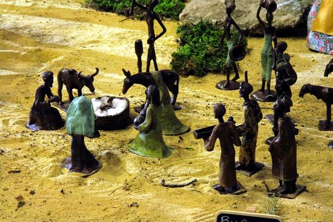 Crèche de Noël de Grignan - réalisée au Burkina Faso
