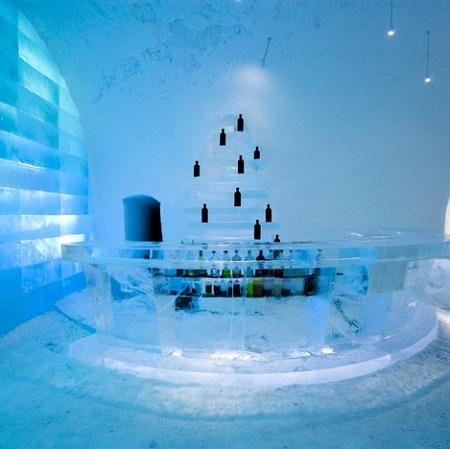 Bar du Icehotel à Jukkasjärvi en Suède