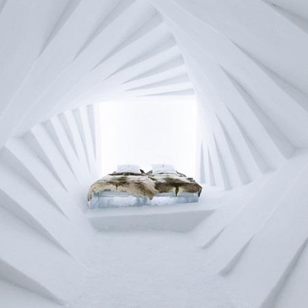 Chambre double au Icehotel à Jukkasjärvi en Suède
