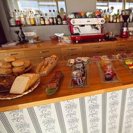 Buffet au petit-déjeuner au Vogafjos Guesthouse à Myvatn en Islande