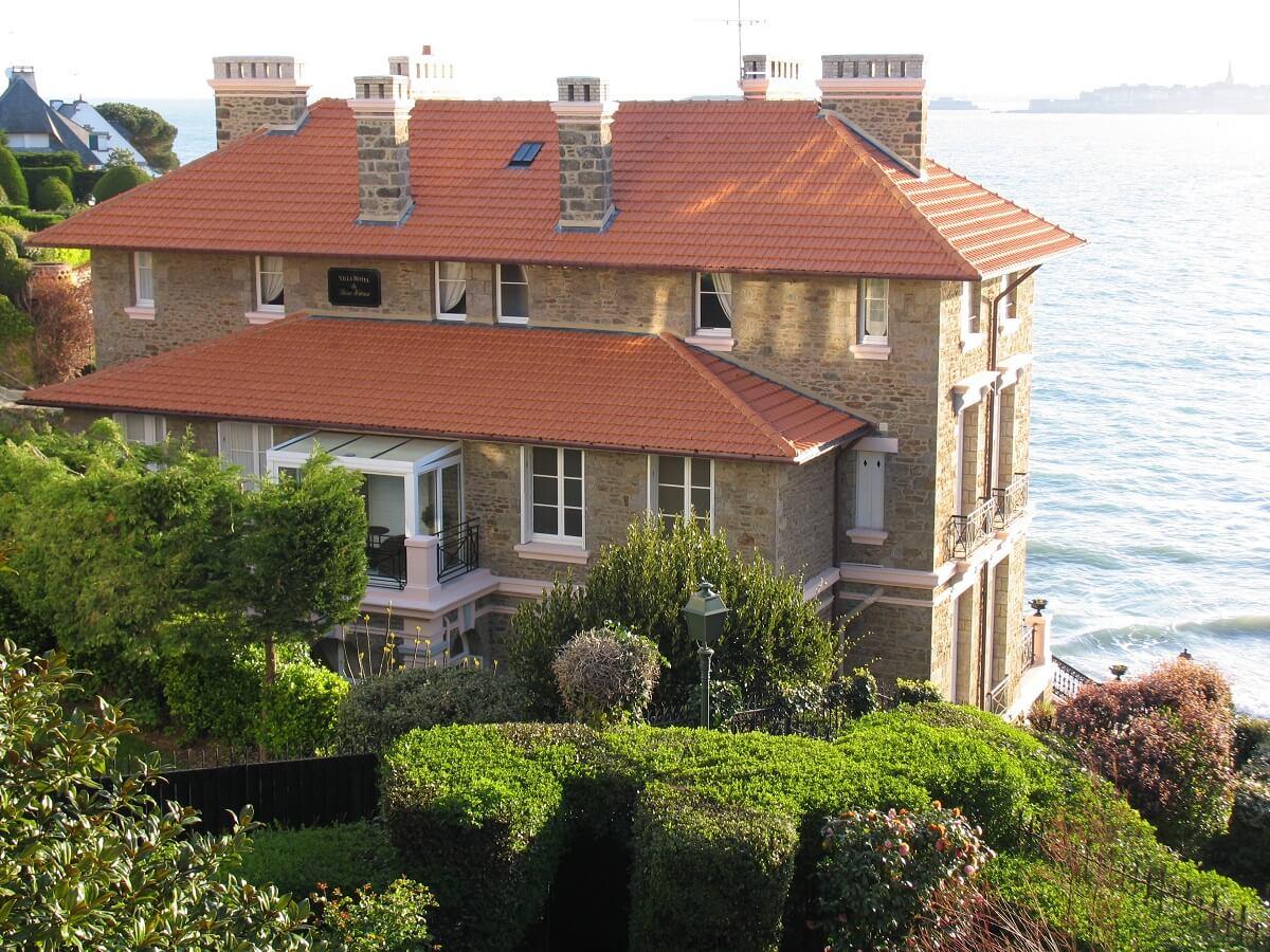 S lection de beaux h tels en bretagne avec vue sur la mer for Hotel saint malo jacuzzi chambre