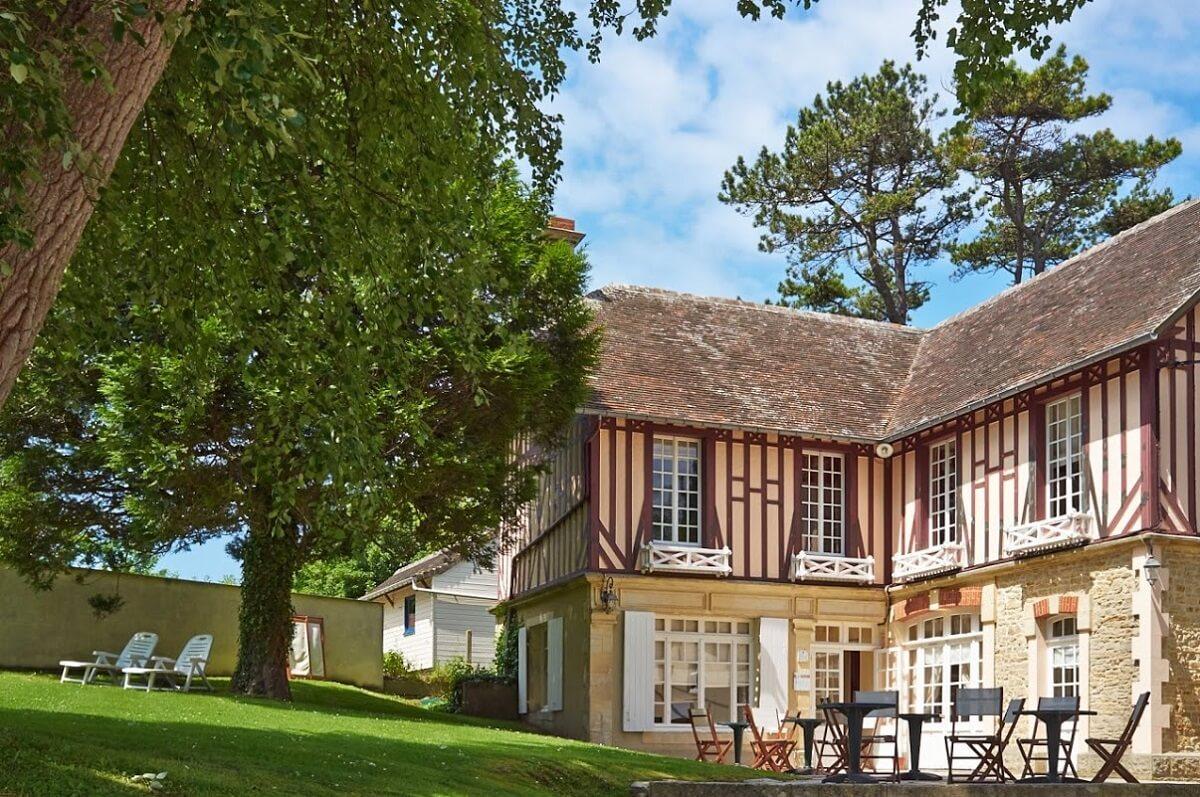 Jardin - Hôtel Les Villas d'Arromanches - Arromanches Les Bains