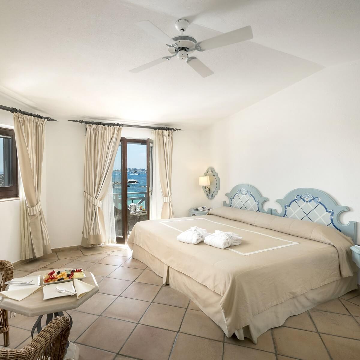 Les plus beaux h tels de charme et demeures de corse - Hotels de charme le treehotel en suede ...