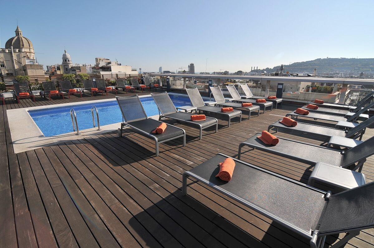 Hotel avec piscine interieure barcelone 28 images h for Piscine interieure de luxe