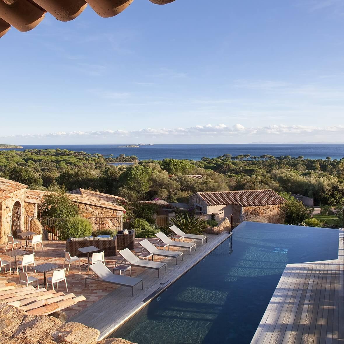 Piscine vue mer - Hôtel Les Bergeries de Palombaggia - Porto-Vecchio - Corse du Sud