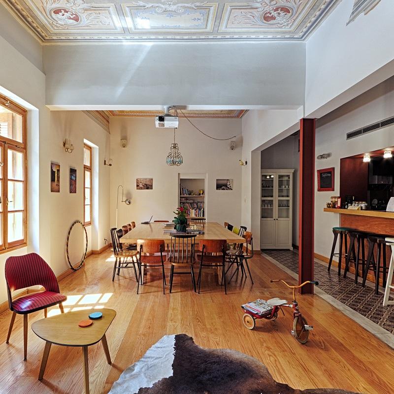 Salle commune du City Circus Athens Hostel