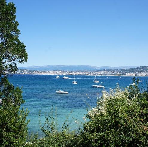 Vue sur Cannes et la mer depuis l'Ile Sainte Marguerite