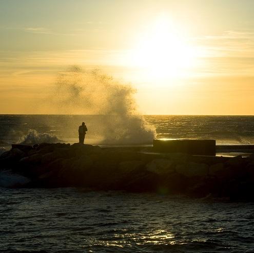 Coucher du soleil sur la plage du Prado à Marseille