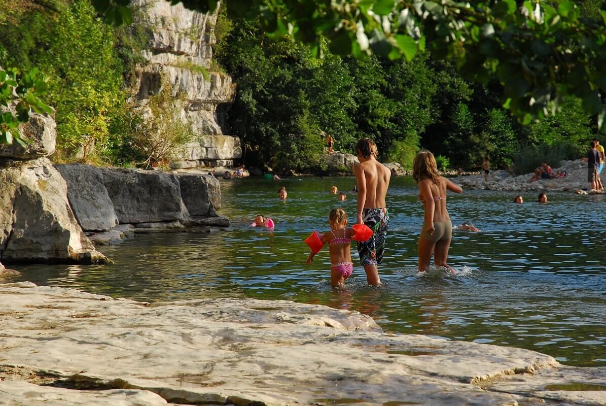 Baignade dans une rivière - Pays Ruomsois - Ardèche
