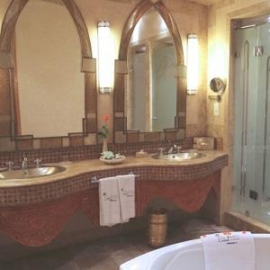 Salle de bain de l'hôtel Es Saadi