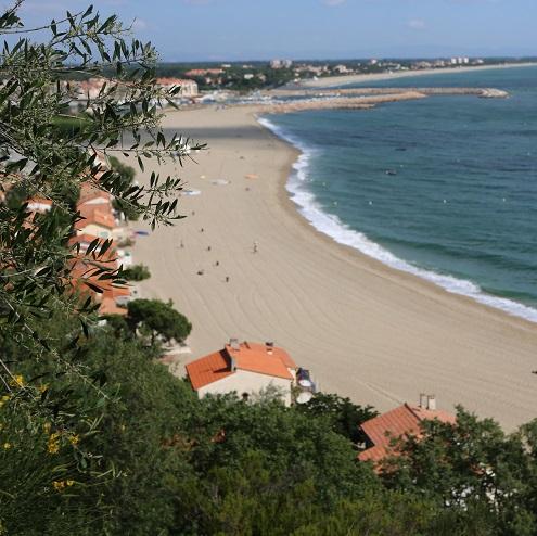 Vue sur la plage du Racou et la mer à Argelès-sur-Mer