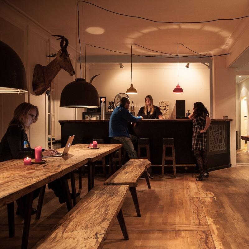 les plus belles auberges de jeunesse en europe. Black Bedroom Furniture Sets. Home Design Ideas