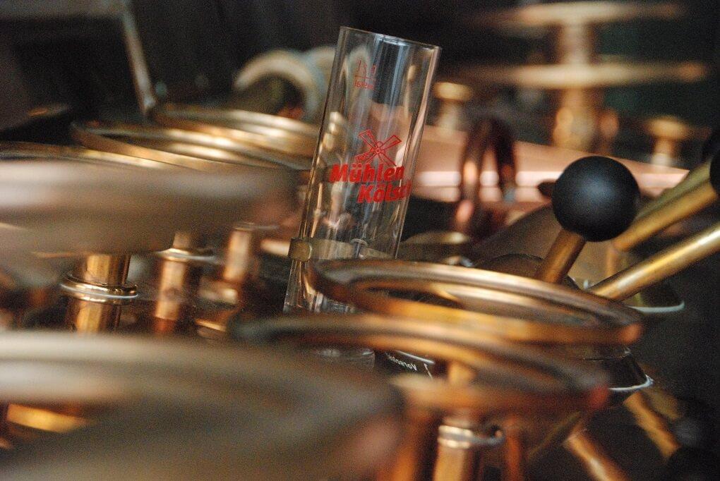 Verre de Kölsch au Brauerei zur Malzmühle à Cologne