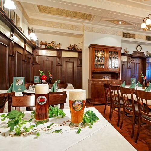 Salle à manger du Löwerbräu à Adelsdorf