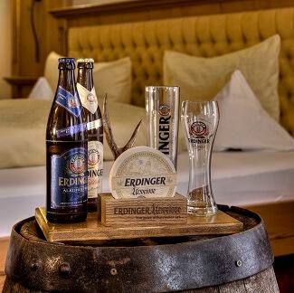 Bière sur un tonneau dans une chambre du Zum Erdinger Weissbraü à Erding