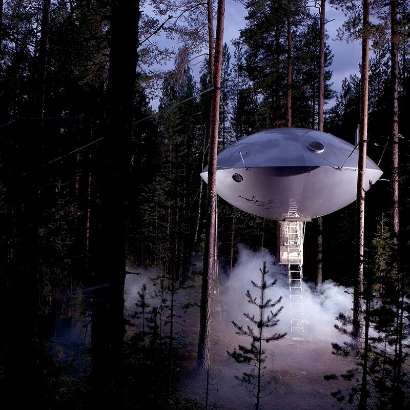 Tree Hotel en forme de soucoupe - Suède