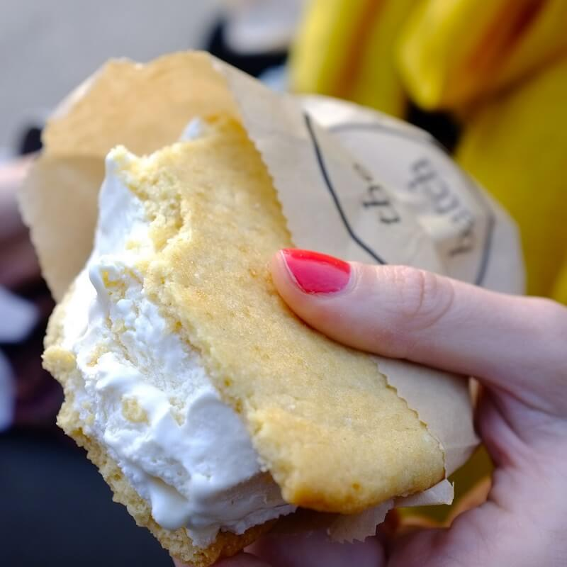 Ice scream sandwich - Marché Street Food Smorgasburg - Brooklyn - New York