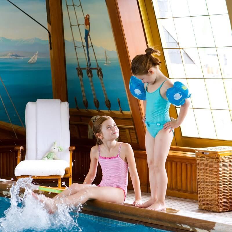Avec les enfants l 39 h tel les meilleurs h tels famille for Paris hotel avec piscine