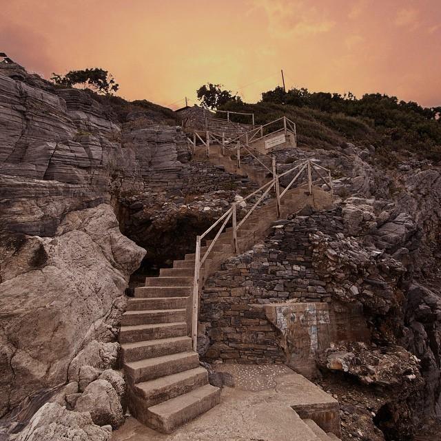stairs from milopotamos, pilio, greece - sakisx instaRoom5-trivago-sto-pilio-pelion-instagram-images