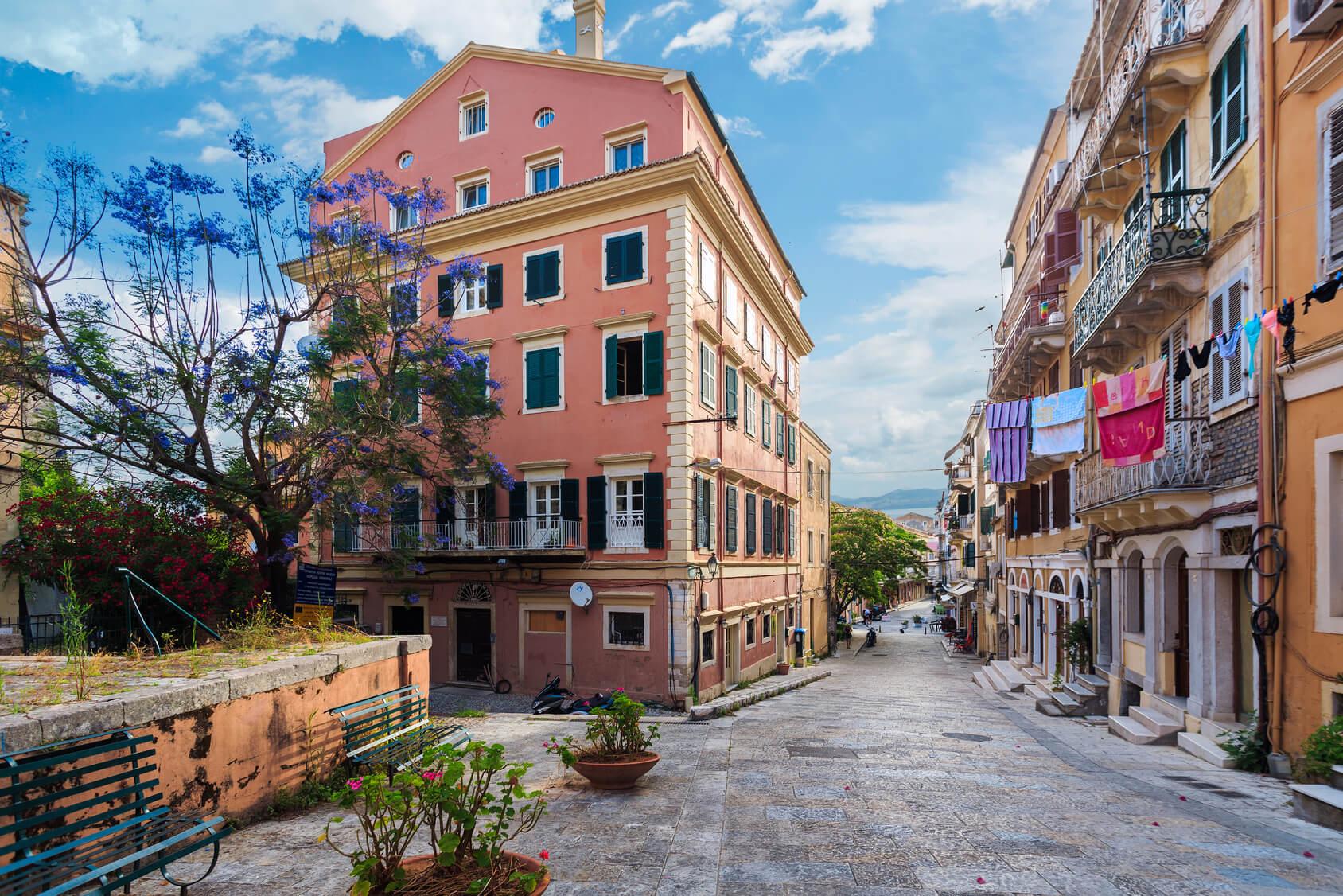 Streets of Corfu Town© maxsol7 πρακτικος οδηγος κερκυρα