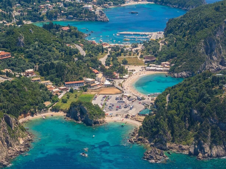 13 The bay of Paleokastritsa in Corfu Greece© Netfalls προσφορεσ ξενοδοχειων σε ελληνικα νησια