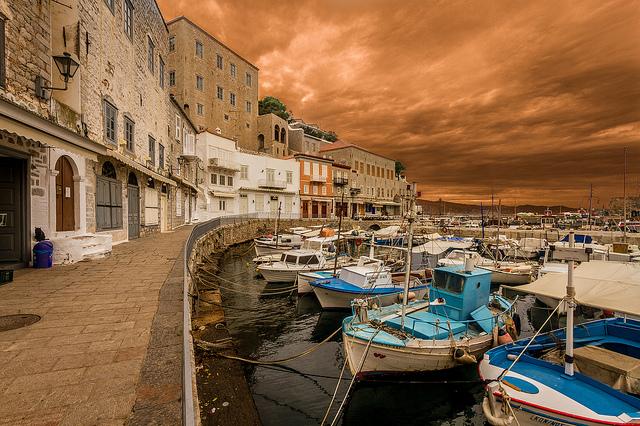2 Hydra Ioannis D. Giannakopoulos προσφορεσ ξενοδοχειων σε ελληνικα νησια