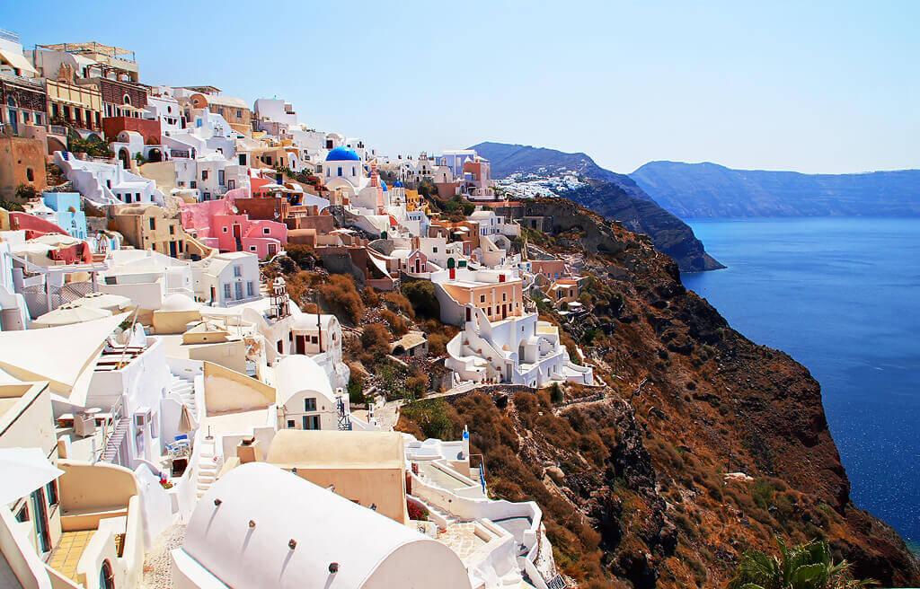 4 Santorini-Oia-Greece-TOTORORO.RORO προσφορεσ ξενοδοχειων σε ελληνικα νησια