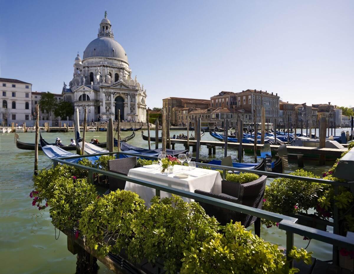 Die Restaurant-Terrasse des Westin Hotel in Venedig