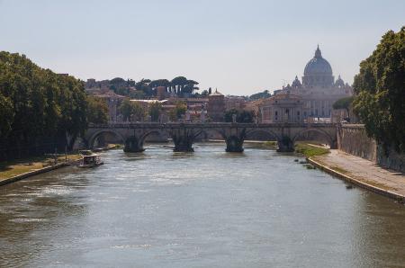 Raquel und Elisabeth liebten es am Tiber entlang zu schlendern.