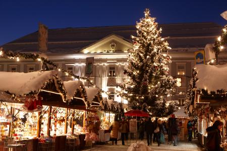 Christkindlmarkt am Neuen Platz in Klagenfurt am Wörthersee