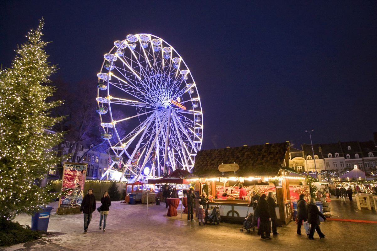 Weihnachtsmarkt in Maastricht Niederlande