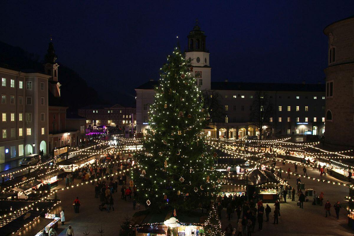 Weihnachtsmarkt in Salzburg Österreich