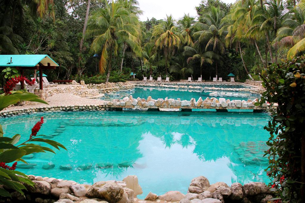 Poolanlage des Hotel CHAN KAH Resort Villages