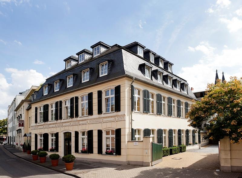 Classic Harmonie Hotel