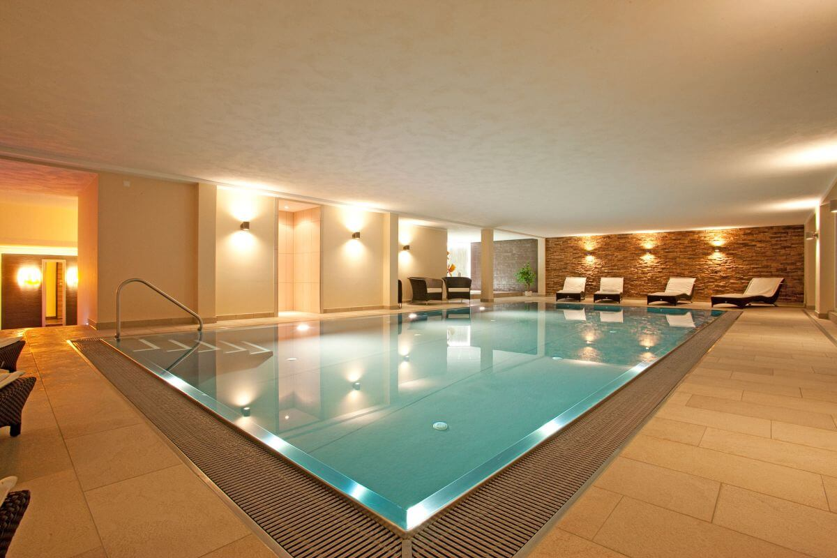 Swimming Pool Wellnessbereich Hotel Lipprandt