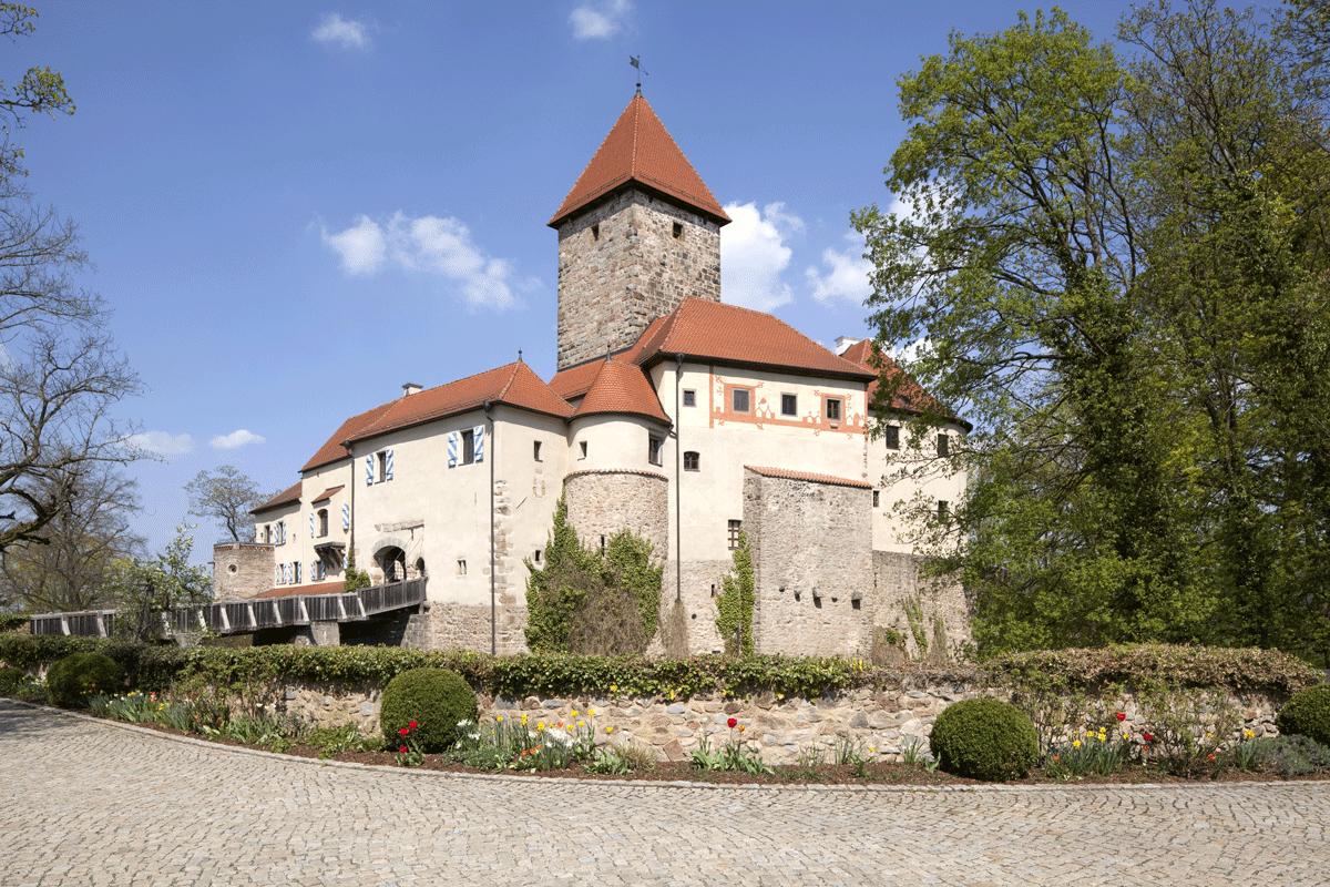 Außenansicht von Burg Wernberg