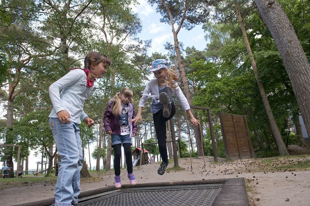 Trampolin Kinder Abenteuerspilplatz IFA Rügen Hotel & Ferienpark