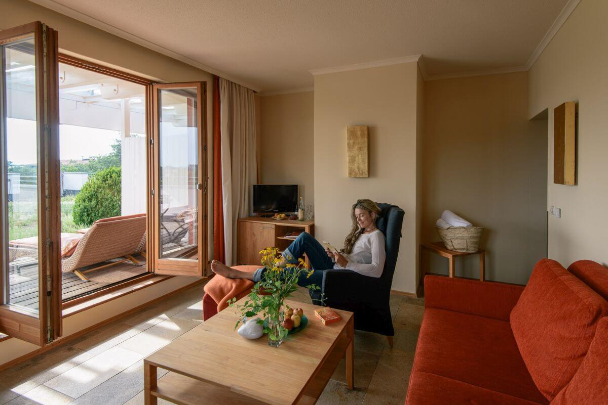 Hotelzimmer mit Blick ins Grüne Biohotel Falkenhof