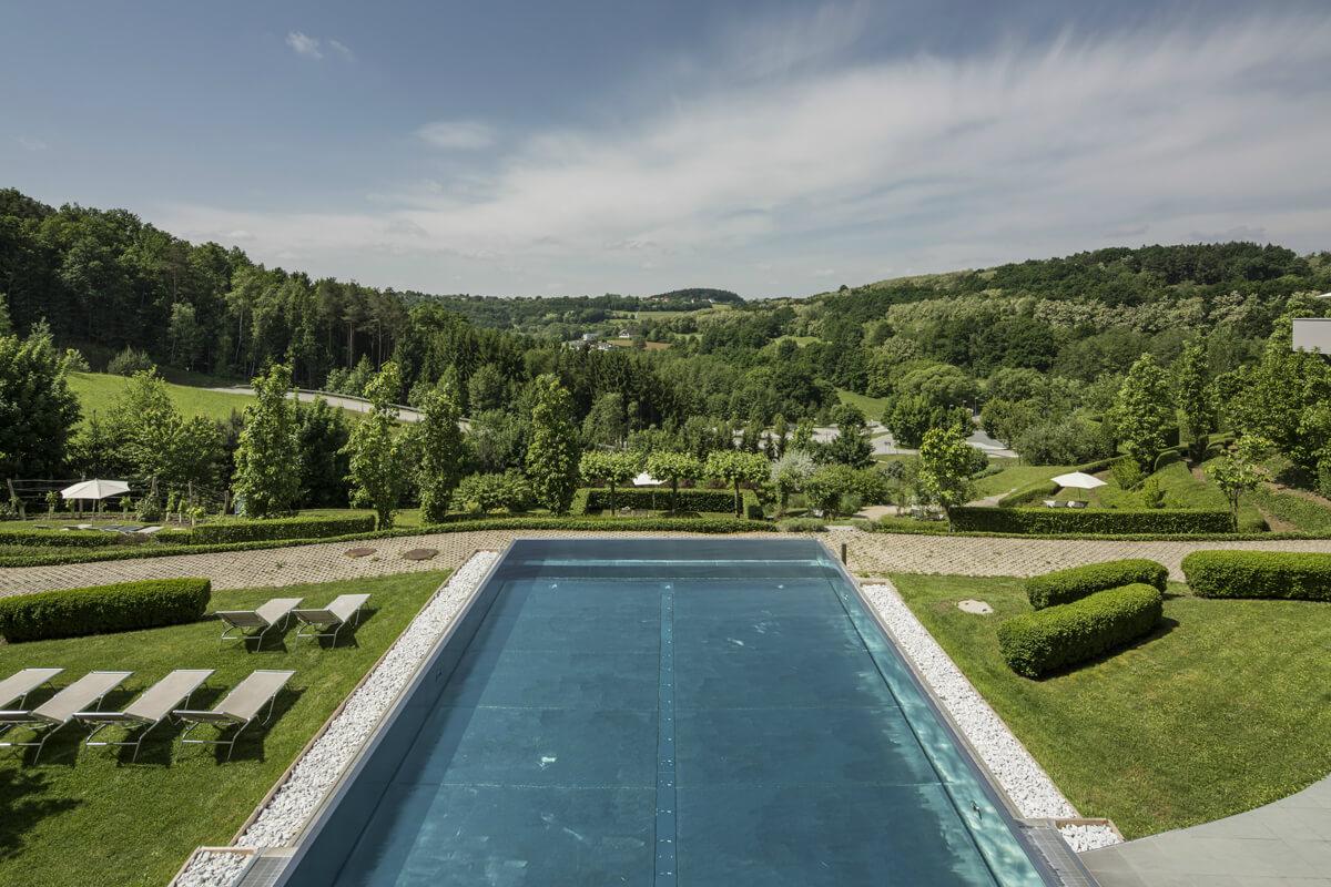 Infinity-Pool des Falkensteiner Balance Resort im Burgenland.