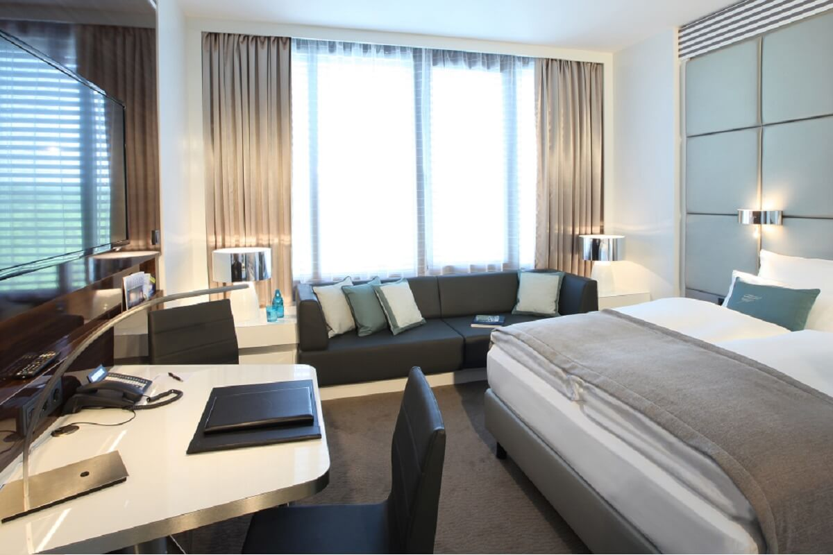die top 6 messehotels in d sseldorf mit business standard. Black Bedroom Furniture Sets. Home Design Ideas