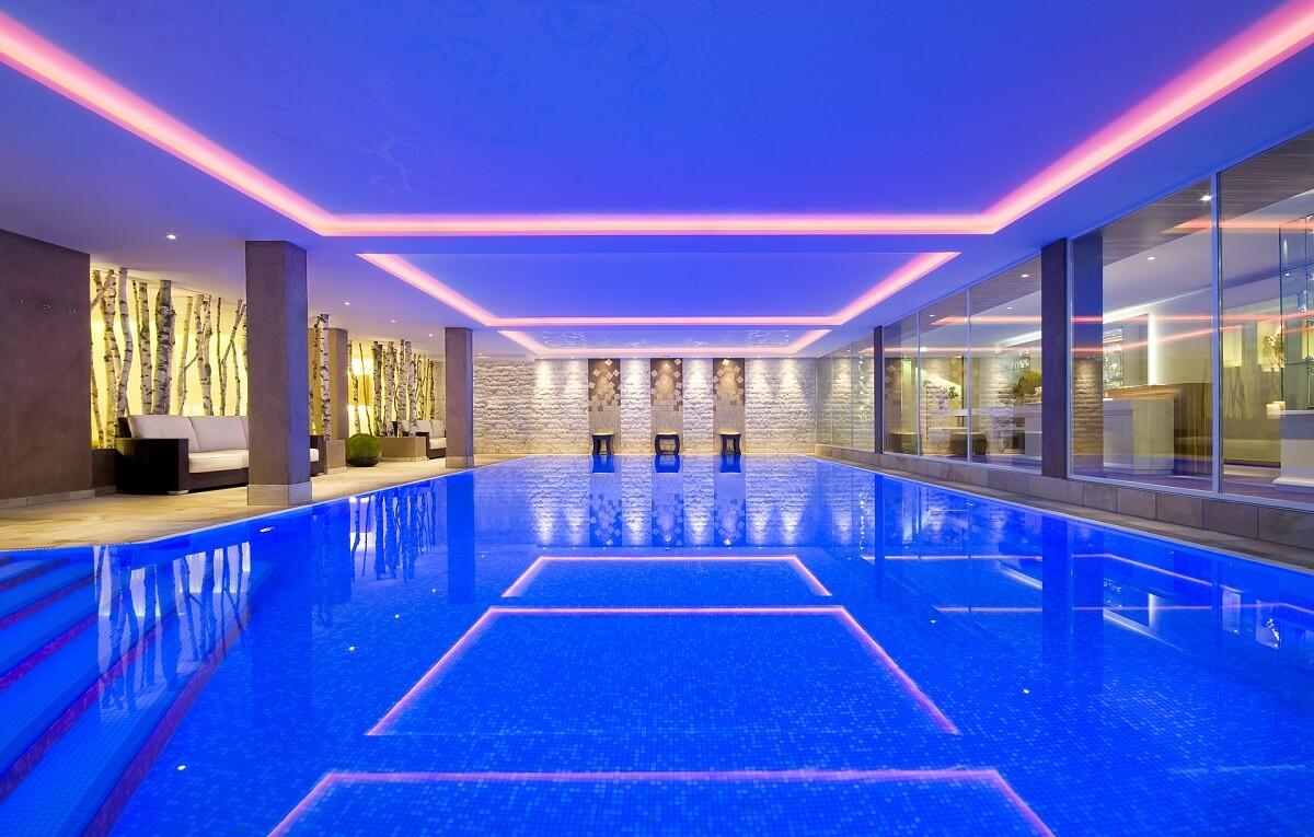 Perfect Der Große Indoor Pool Im Wellnesshotel Im Schwarzwald Sackmann.