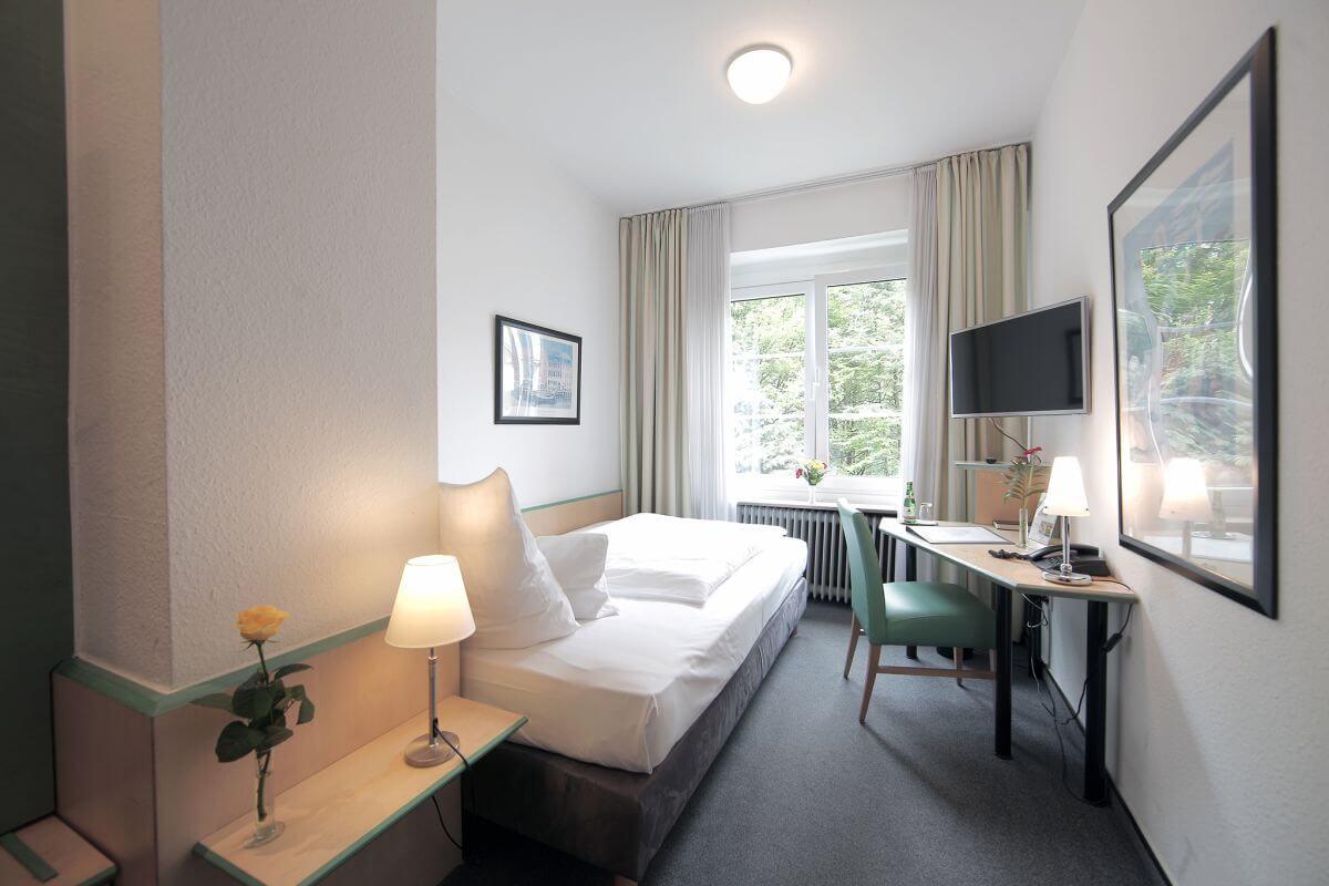 Kostenloses WLAN im Hotel am Hofgarten Düsseldorf Zimmer