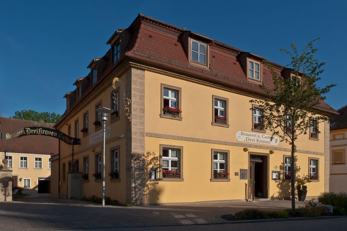Außenansich Bierhotel Drei Kronen