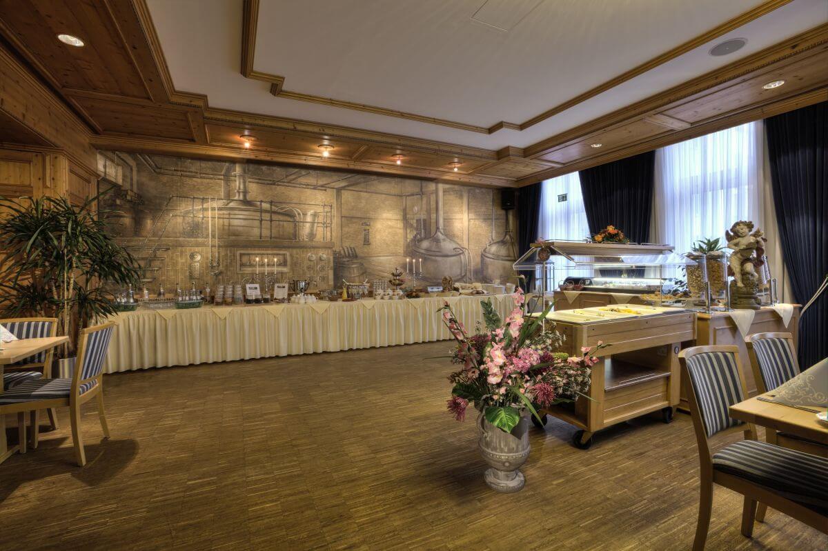 Hotel zum Erdinger Weißbräu Frühstück im alten Sudhaus