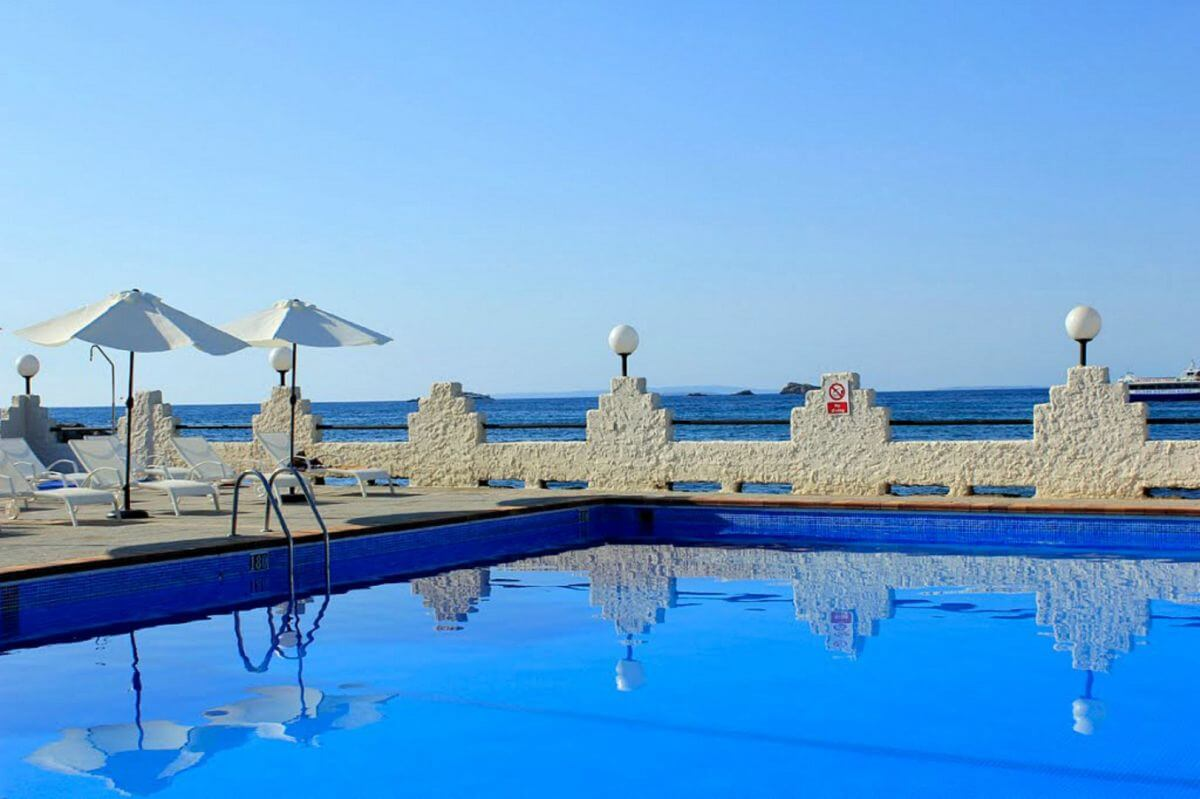 Poolterrasse BG Nautico Ebeso Ibiza