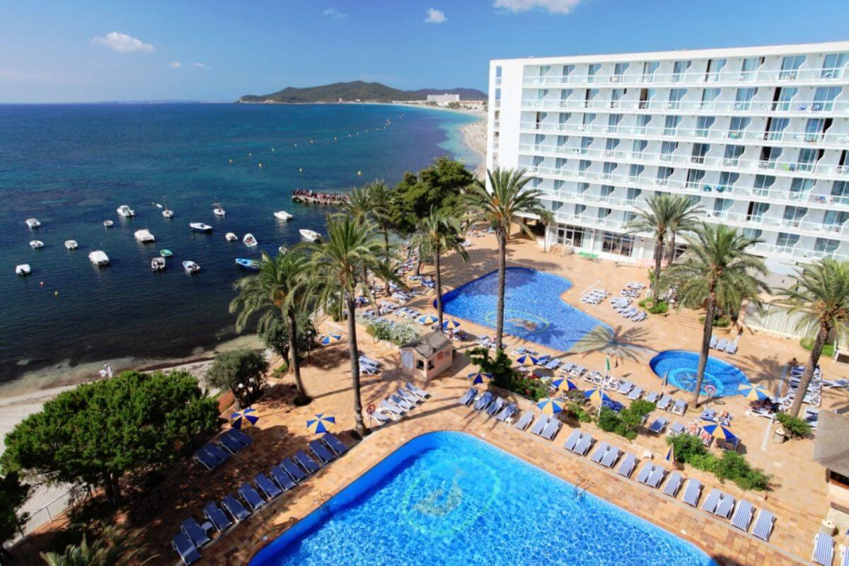 Strandhotel Ibiza Sirenis Club Tres Carabelas & Spa