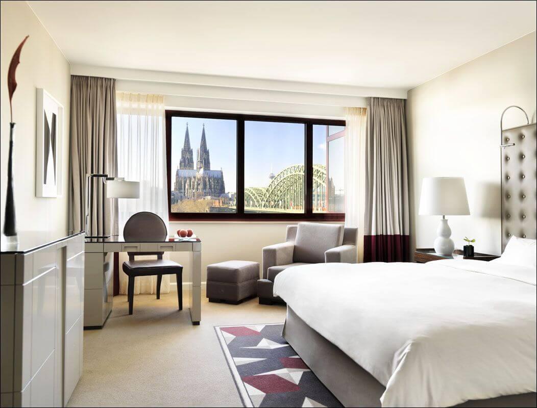 top hotels mit blick auf die sch nsten sehensw rdigkeiten. Black Bedroom Furniture Sets. Home Design Ideas